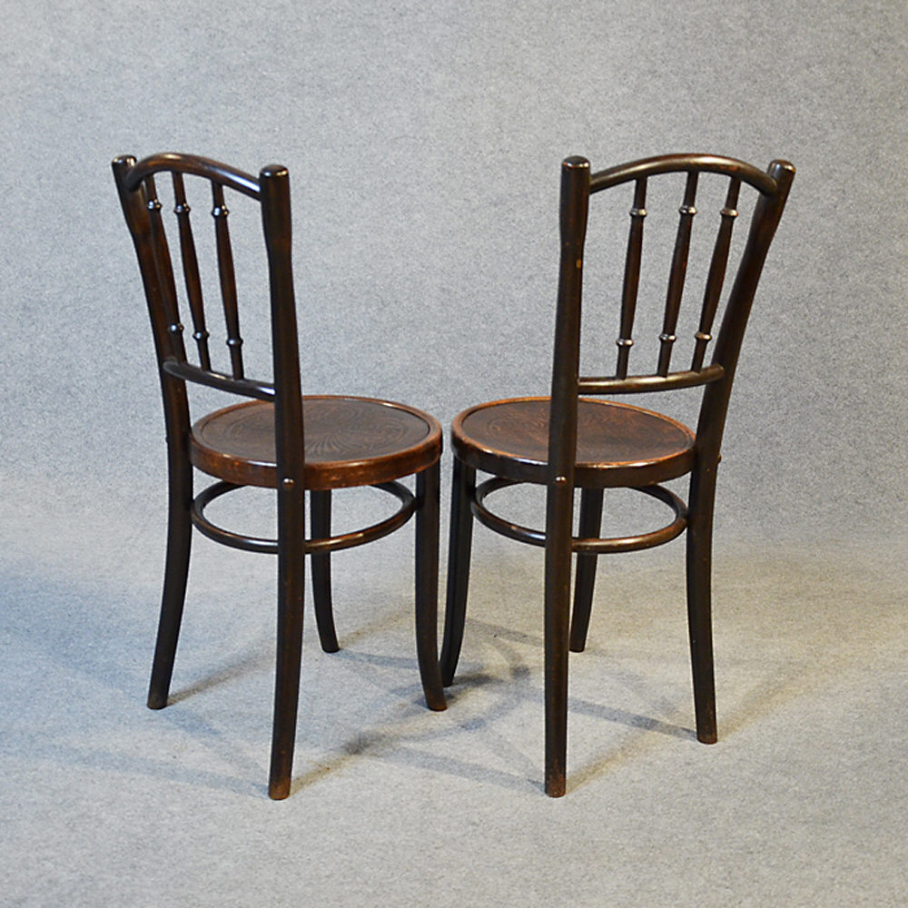 Thonet Bentwood Pair Of Kitchen Dining Cafe Chairs Antiques Atlas