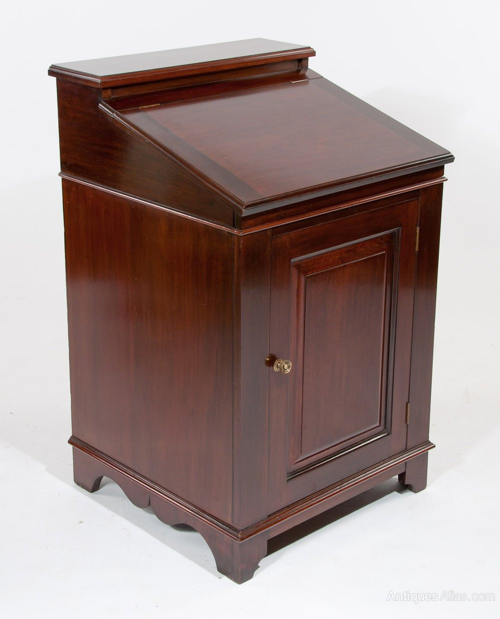 mahogany writing desk Antique writing desk in antique writing desk value natural homeor end replica mahogany lear executive desk together with luxury mahogany desk as.