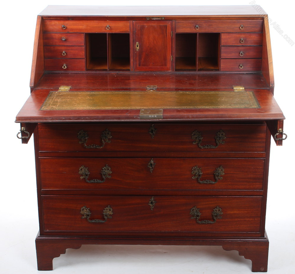 Georgian mahogany bureau antiques atlas for Bureau antique
