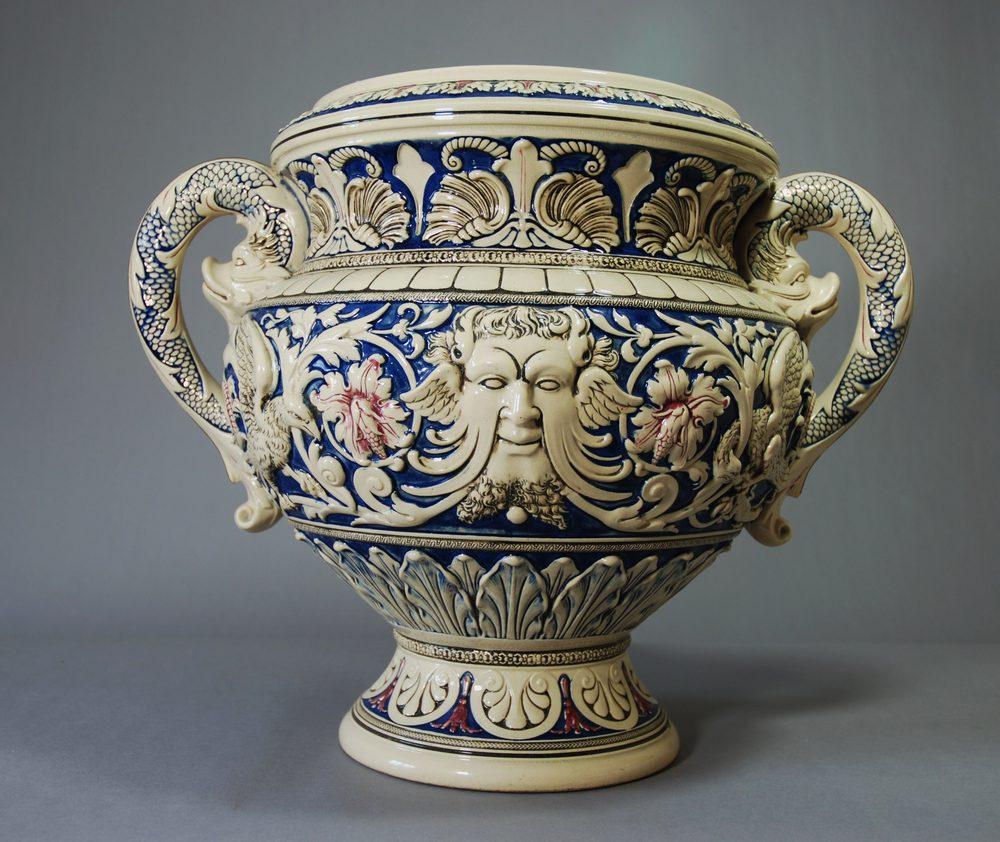 Antiques atlas large 19thc pottery jardiniere for Jardiniere decorative