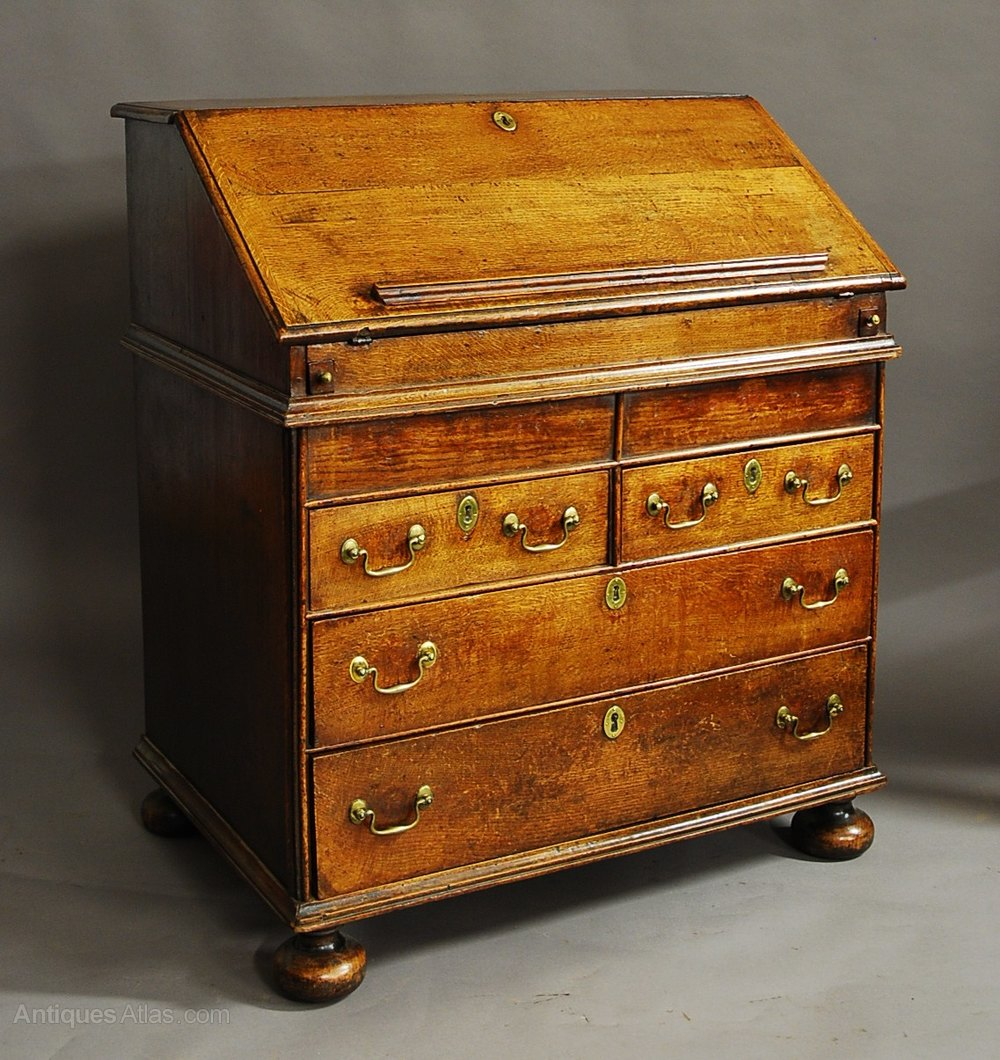 Rare william mary late 17th century oak bureau for Bureau antique