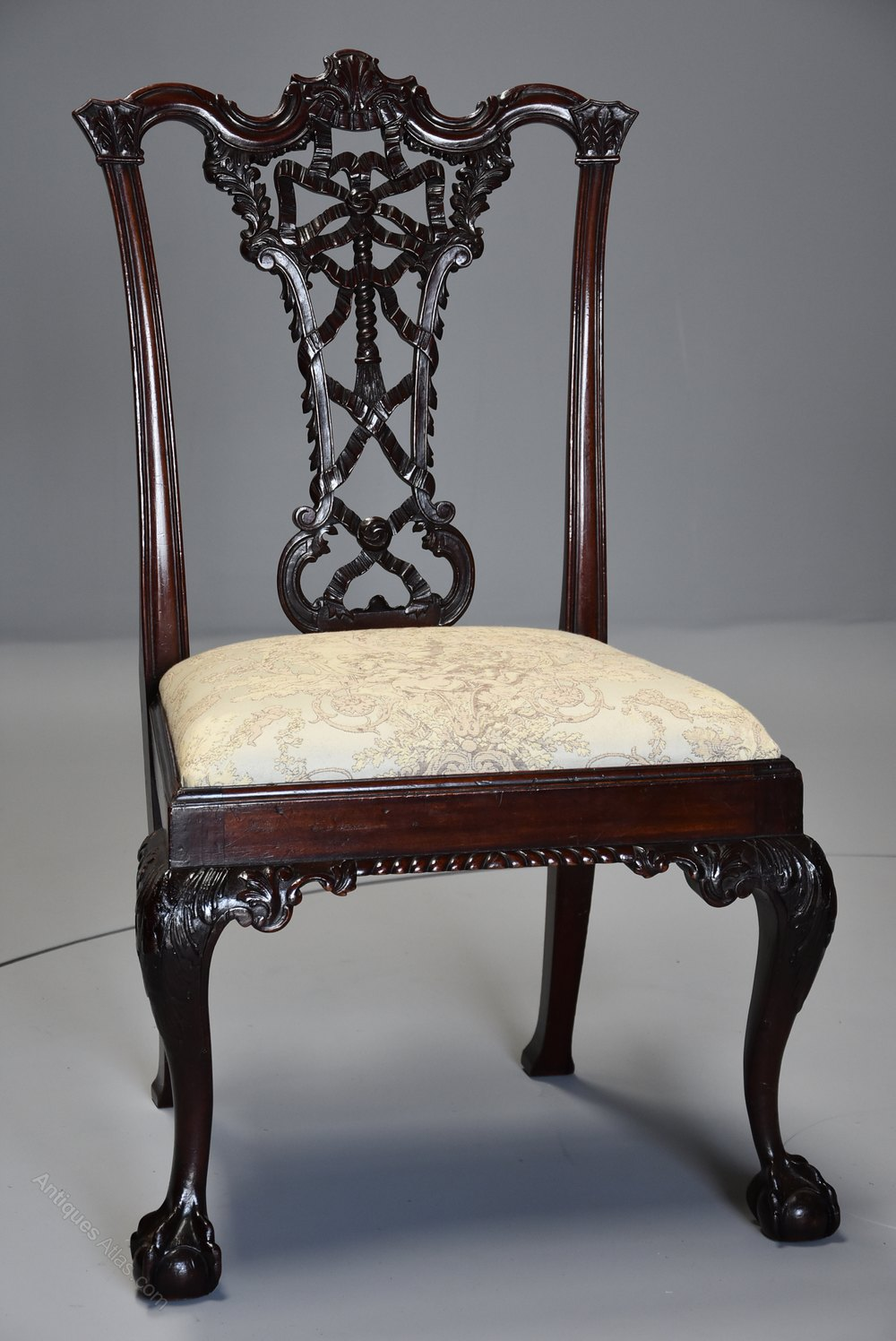 Set Of Six Ribbon Back Chippendale Style Chairs Antiques