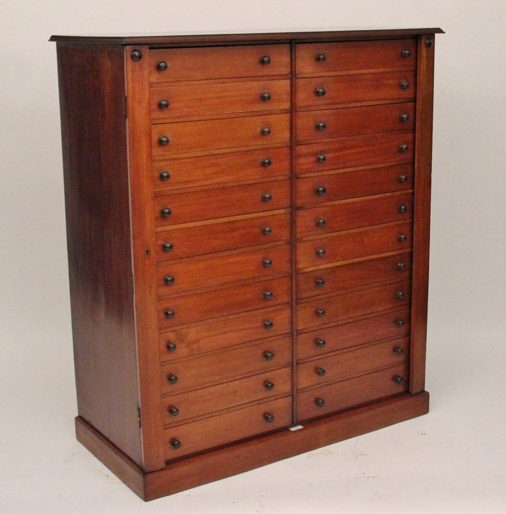 Collectors Cabinet Antique Collectors ... - Collectors Cabinet - Antiques Atlas