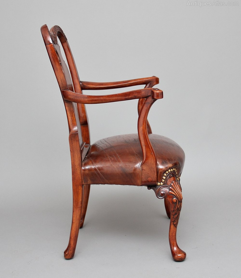 Early 20th Century Queen Anne Style Child S Chair