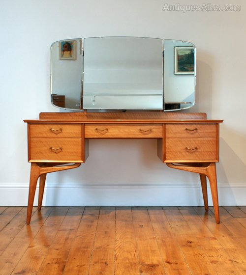 Antiques atlas a 1950s dressing table by alfred cox for Retro dressing table