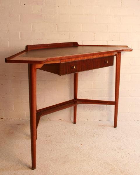 A Retro Corner Desk Vintage ... - Antiques Atlas - A Retro Corner Desk - Corner Desk Antique Antique Furniture
