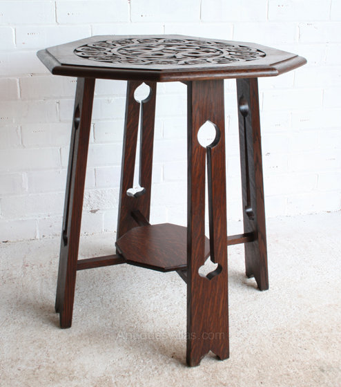 An arts crafts carved oak side table antiques atlas for Arts and crafts side table