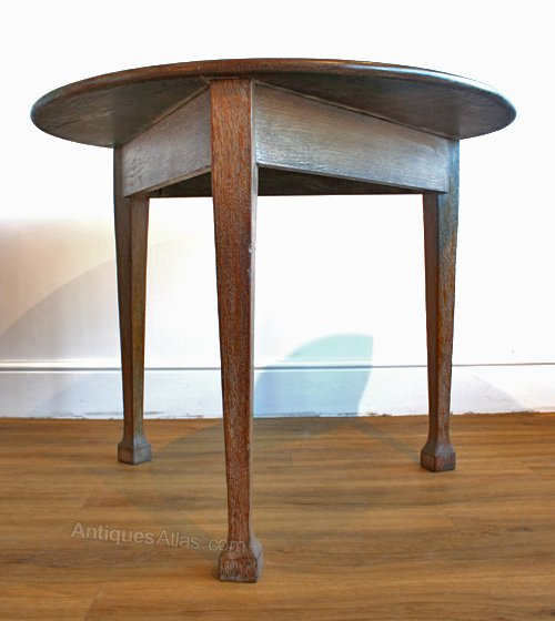 An arts crafts limed oak circular dining table antiques atlas - Limed oak dining tables ...