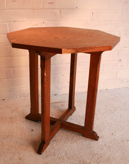 An arts crafts octagonal oak side table antiques atlas for Arts and crafts side table