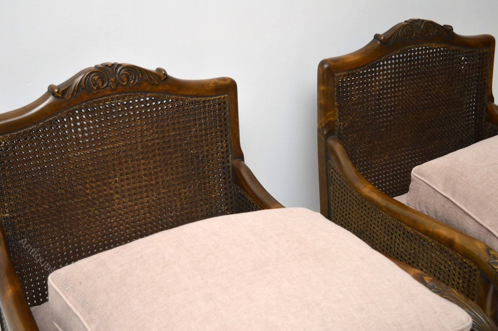 Dating antique armchairs
