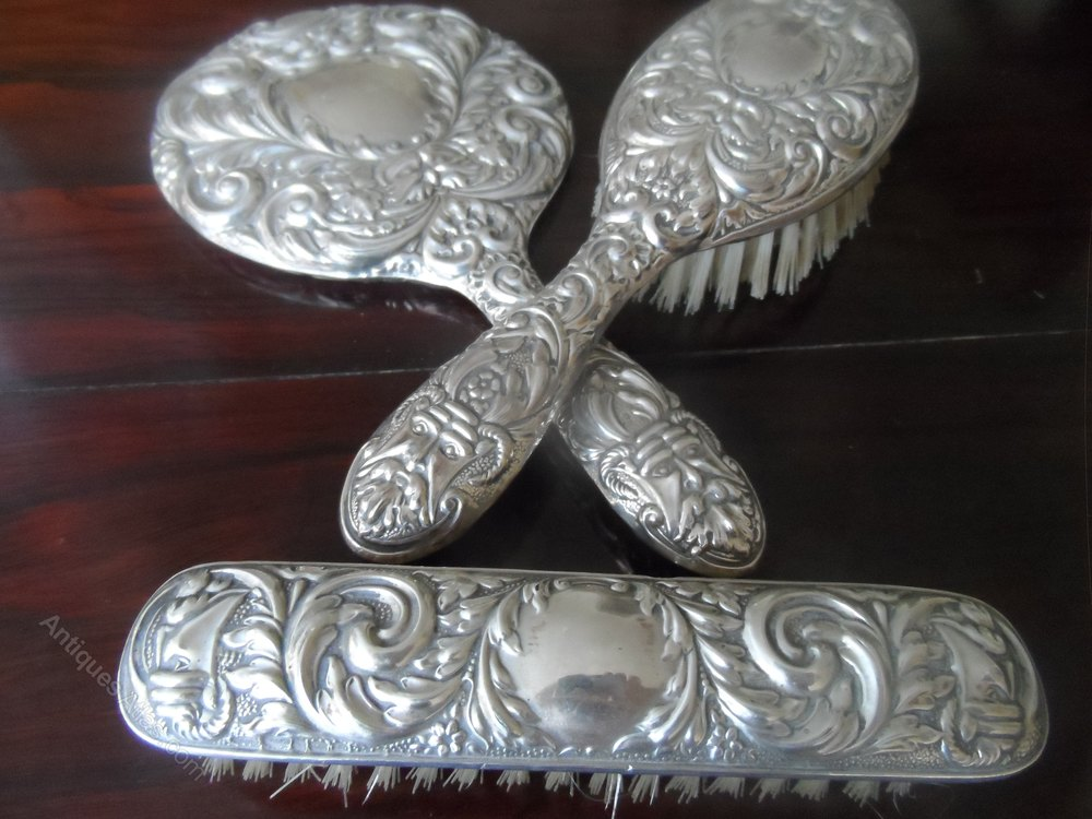 Antiques atlas victorian style silver dressing table set for Edwardian table setting