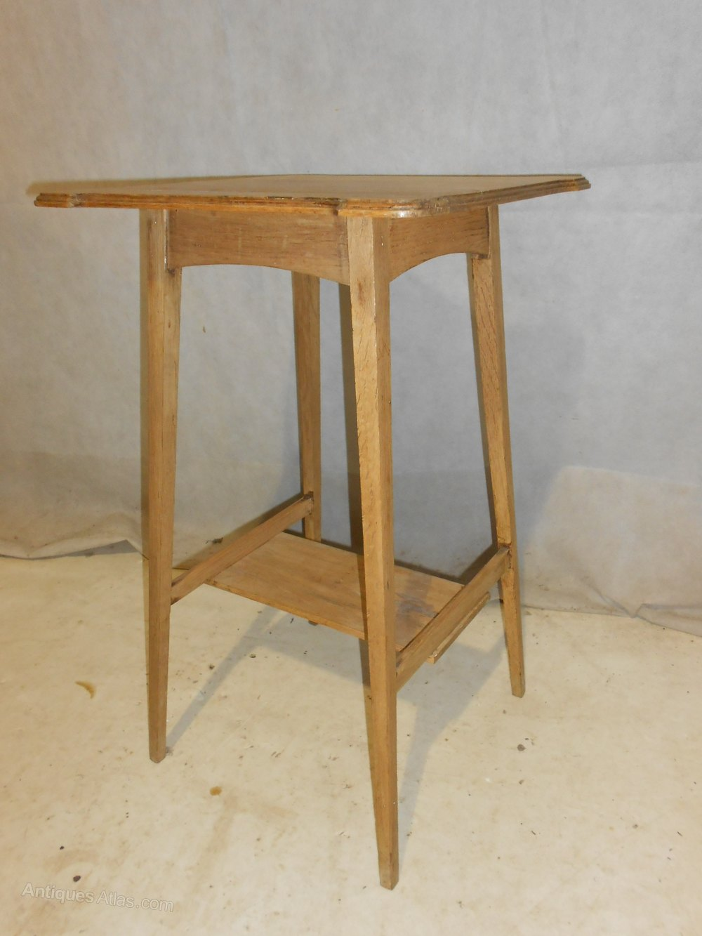 Antique arts crafts oak side table c1880 1900 antiques for Arts and crafts side table