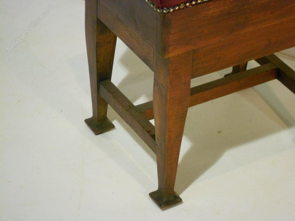Arts And Crafts Piano Stool