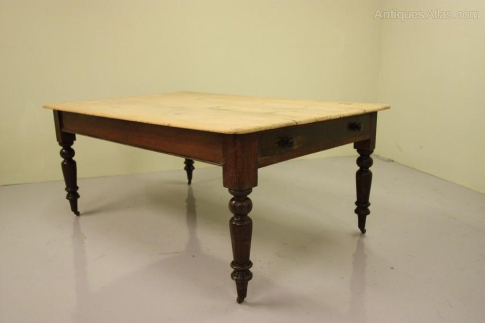 A Good Sized Antique Pine Kitchen Dining Table Antiques