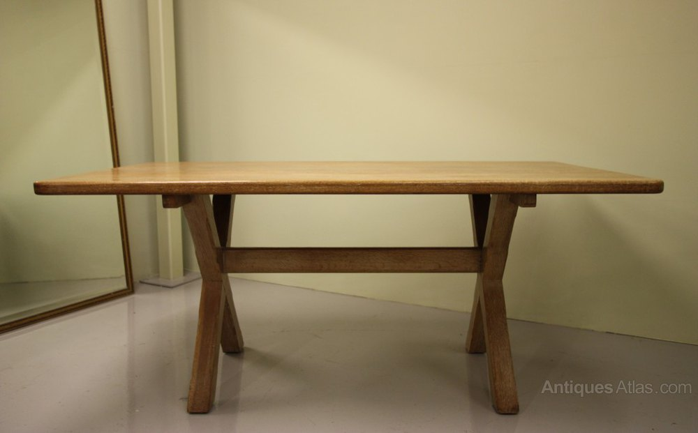 Antique trestle dining table perfect antique oak for Dining table frame design
