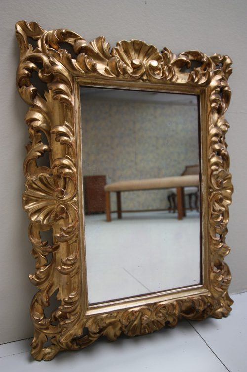 Beautiful Florentine Gilt Antique Mirror.