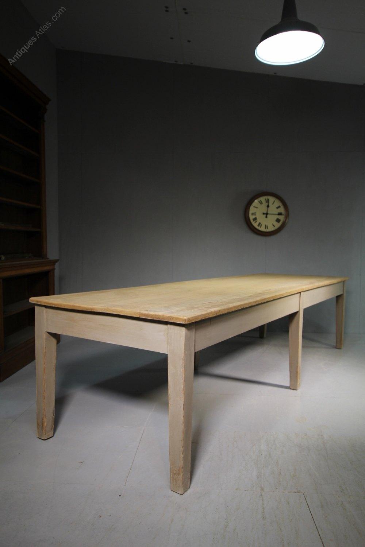 Large 19th Century Yorkshire Antique Dining Table  : Large19thCenturyYorkshireAas111a5589z 3 from antiques-atlas.com size 1000 x 1500 jpeg 103kB