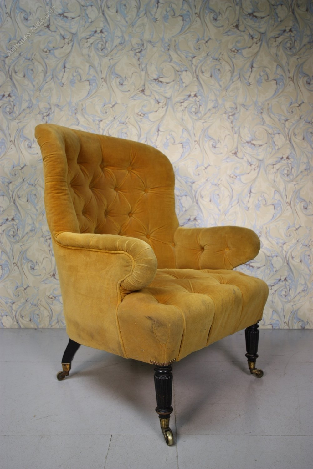 Large English Antique Upholstered Armchair. - Antiques Atlas