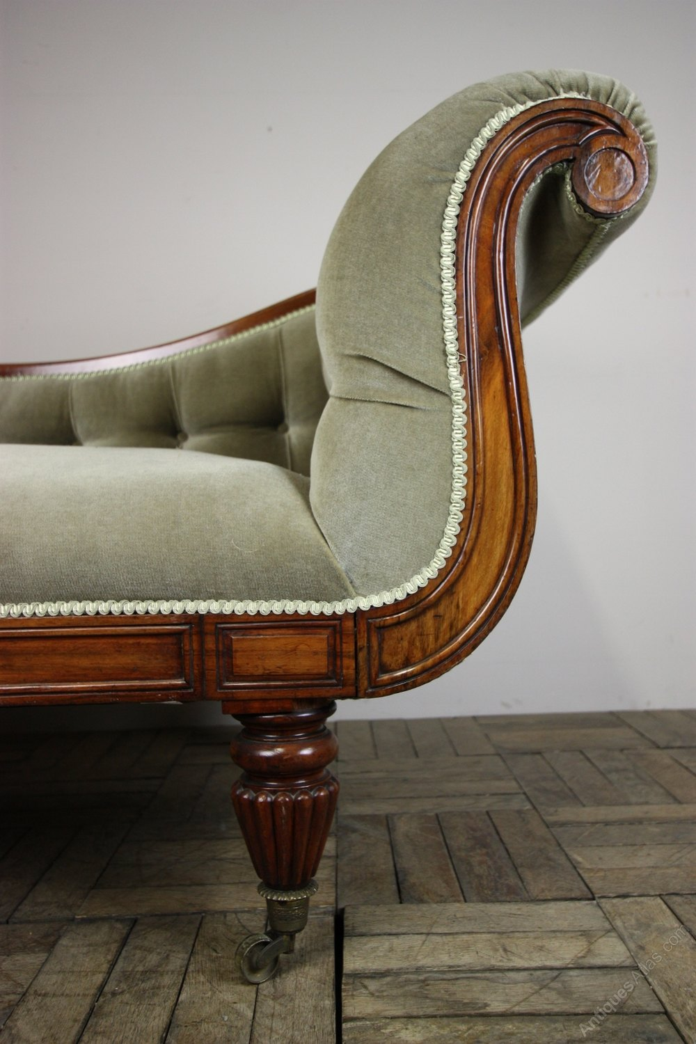 William iv antique mahogany chaise longue antiques atlas for Antique chaise longues