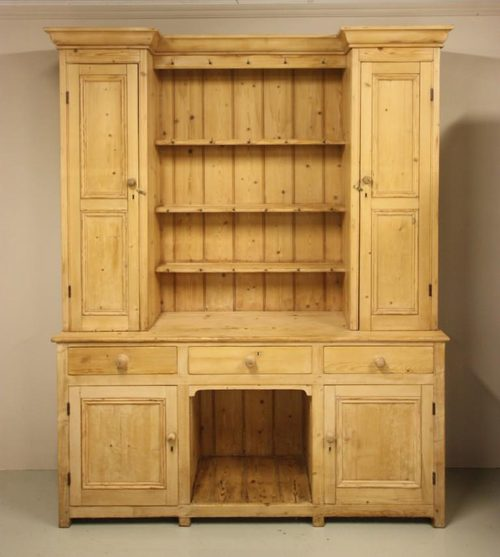 Wonderful Antique Pine Welsh Kitchen Dresser.