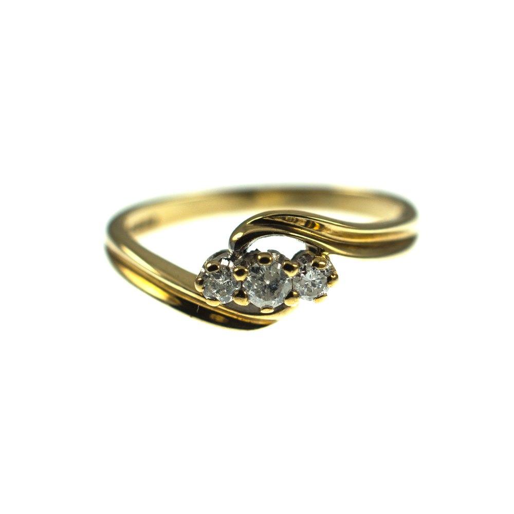 antiques atlas 9ct gold diamond trilogy ring