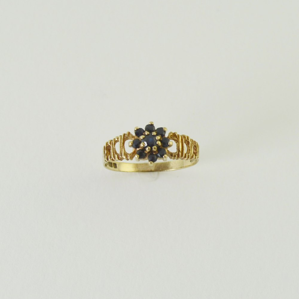 Antiques Atlas 9ct Gold Sapphire Flower Ring