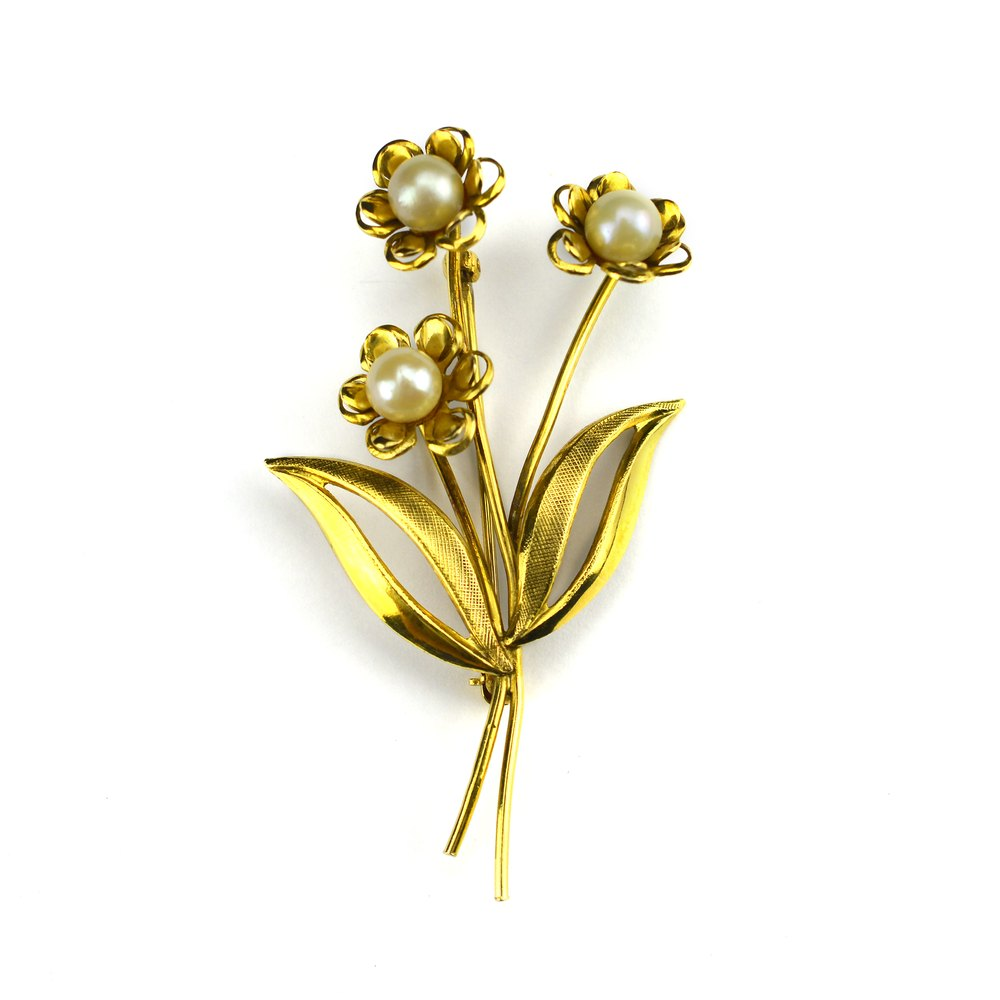 Antiques Atlas Stunning Vintage Gold Flower Brooch With