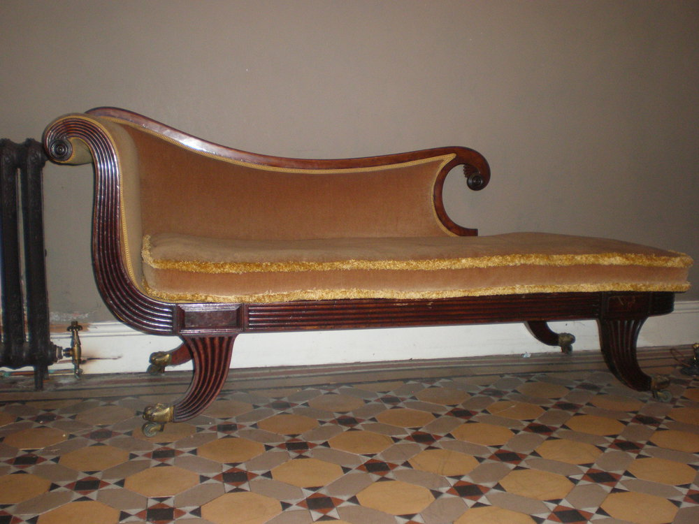 Regency chaise longue antiques atlas for Antique chaise longues