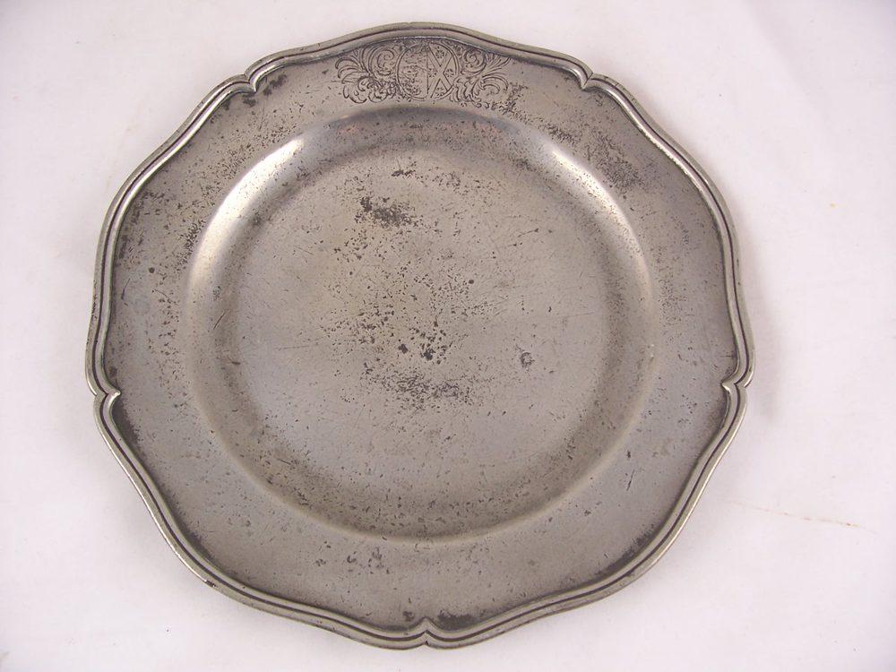 Antique Pewter Plates : Antiques atlas set of six th c pewter plates