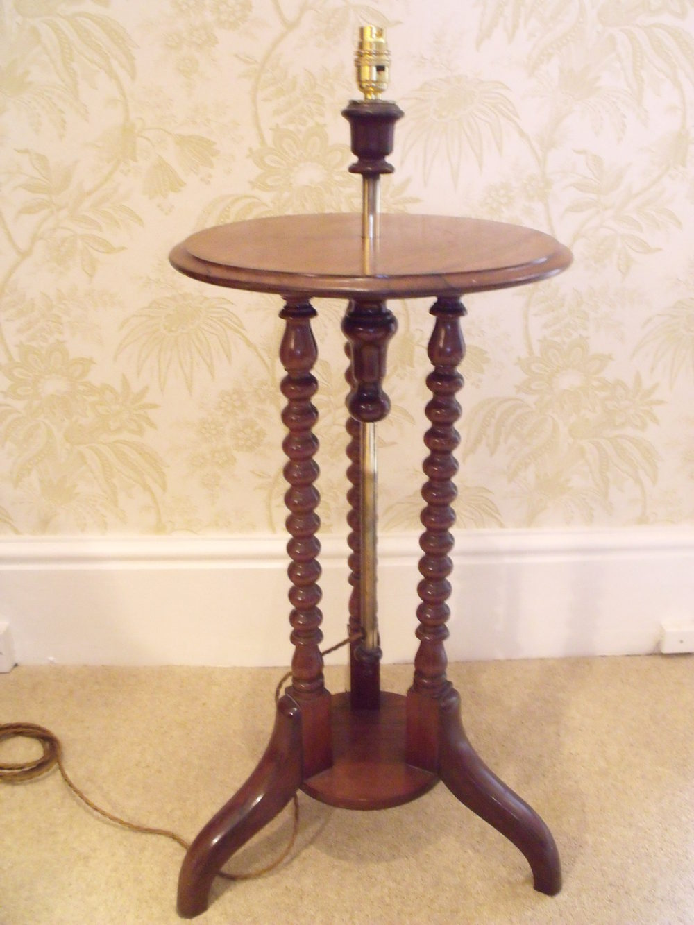 Victorian Table Lamps : Antiques atlas victorian lamp table