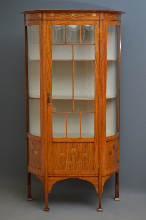 Immaculate Art Nouveau Display Cabinet - Antiques Atlas