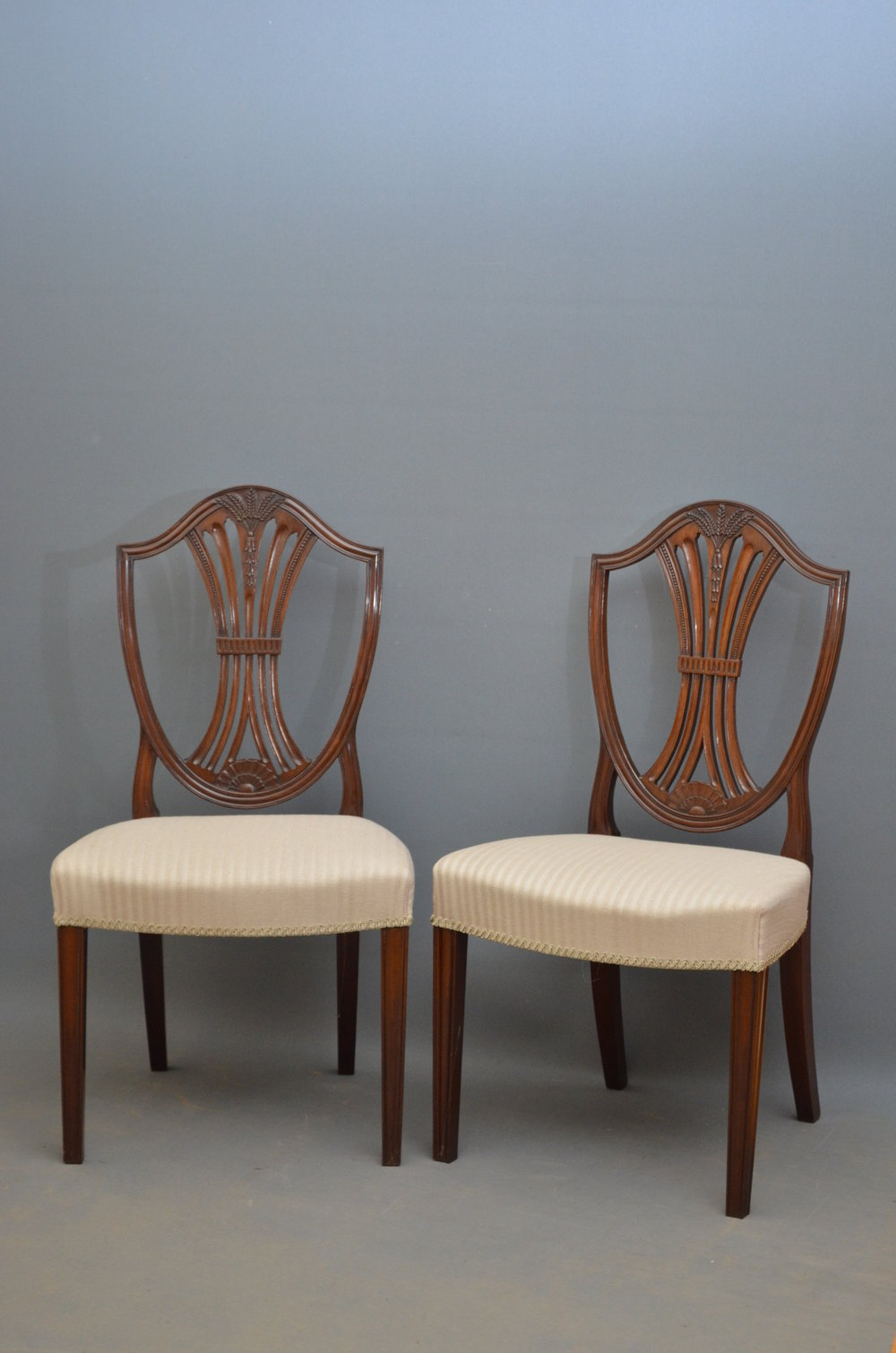 Excellent Set Of 10 Hepplewhite Style Chairs Antiques Atlas