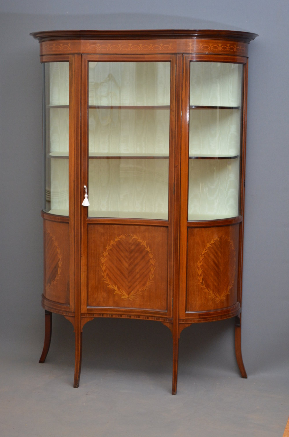 Exceptional edwardian display cabinet vitrine antiques for Sideboard vitrine