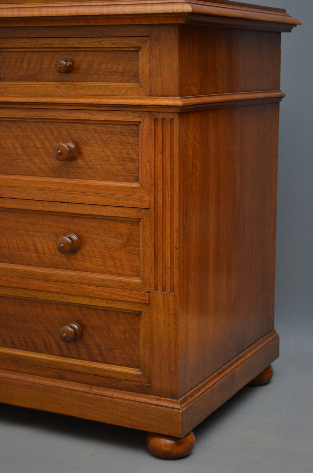 Fine continental chest of drawers in walnut antiques atlas for Vintage furniture dealers