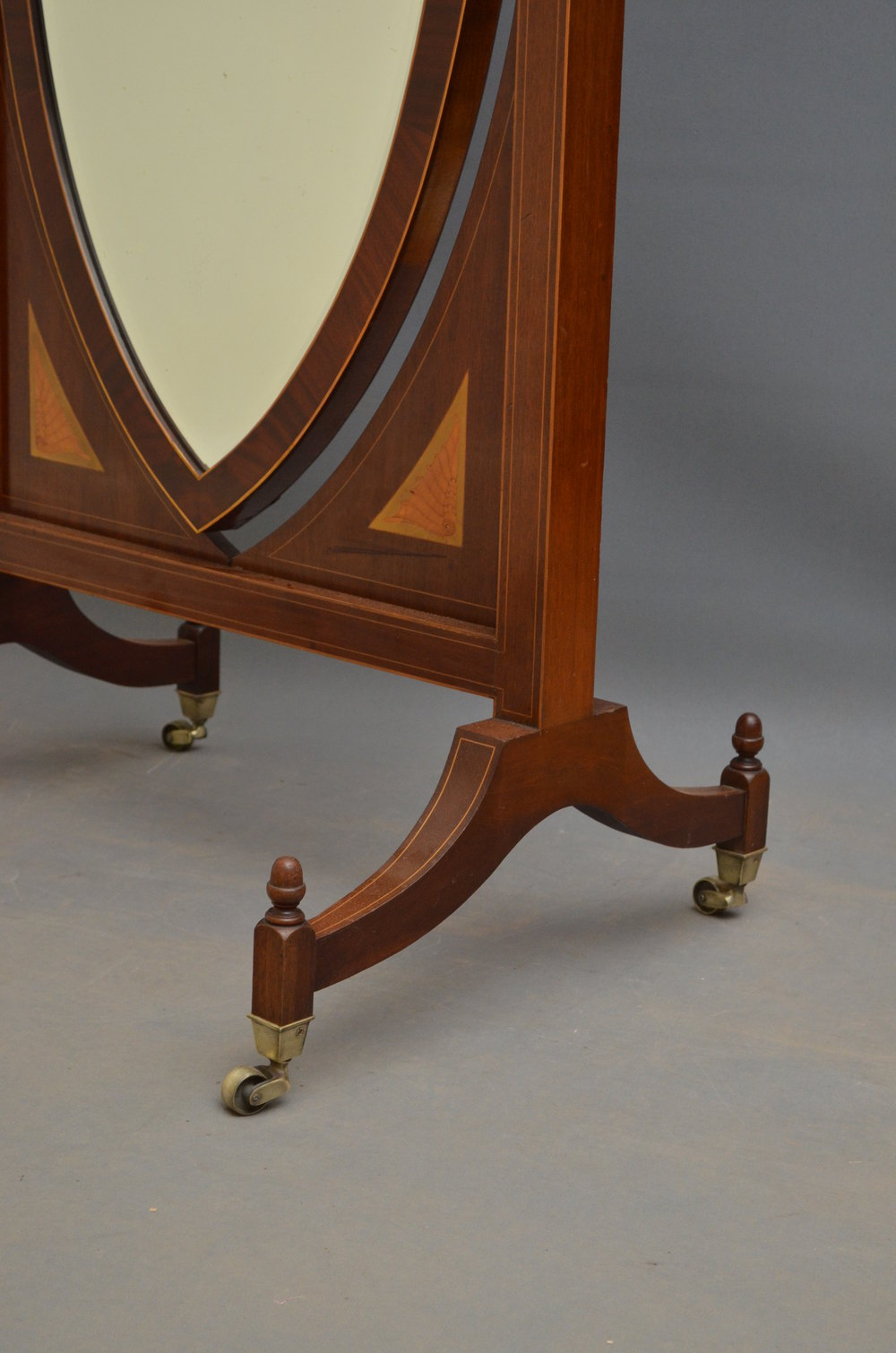 Antiques atlas fine edwardian cheval mirror in mahogany for Cheval mirror