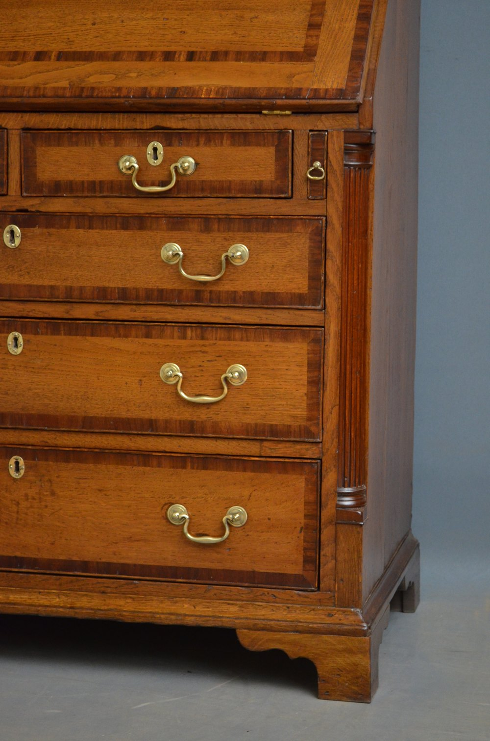 Fine georgian oak bureau antiques atlas for Bureau antique