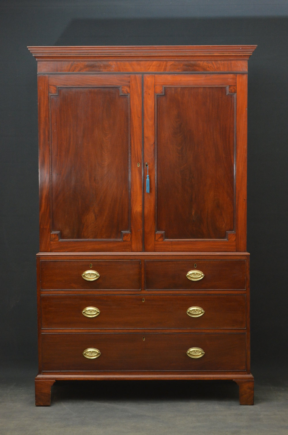 Fine georgian mahogany linen press wardrobe antiques atlas for Linen press