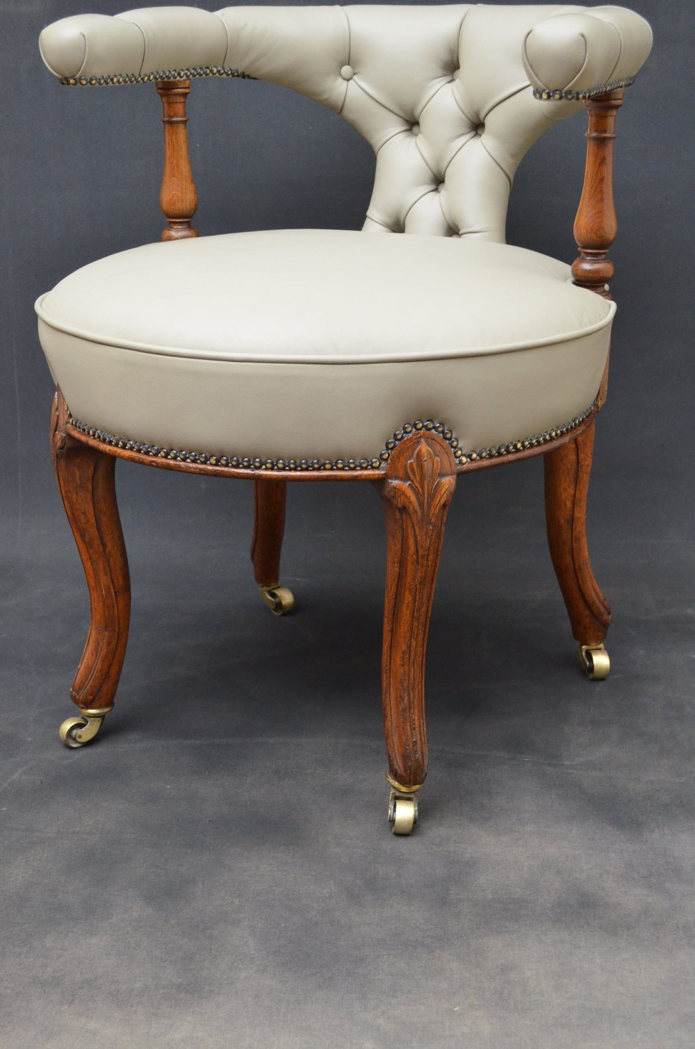 Fine Quality Victorian Oak Office Chair By Gillow