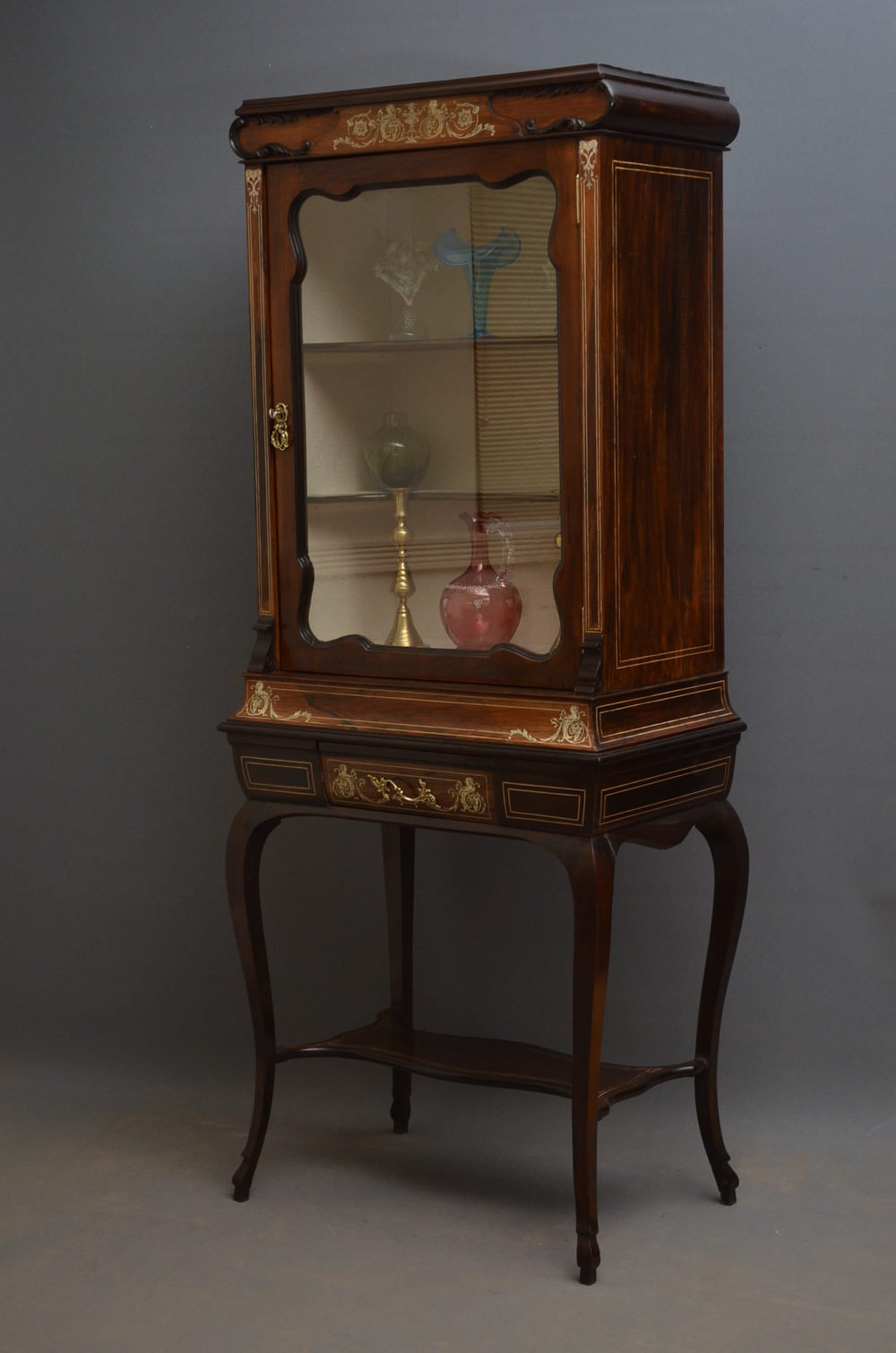 Late victorian display cabinet china cabinet antiques for Antique display cabinet