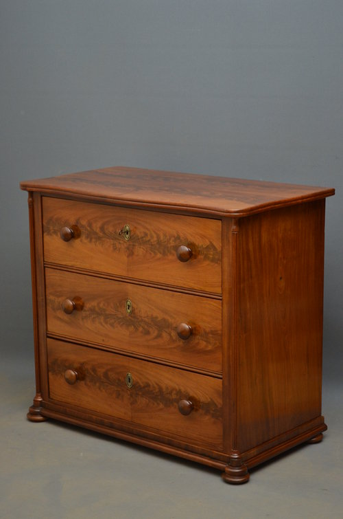 small continental chest of drawers