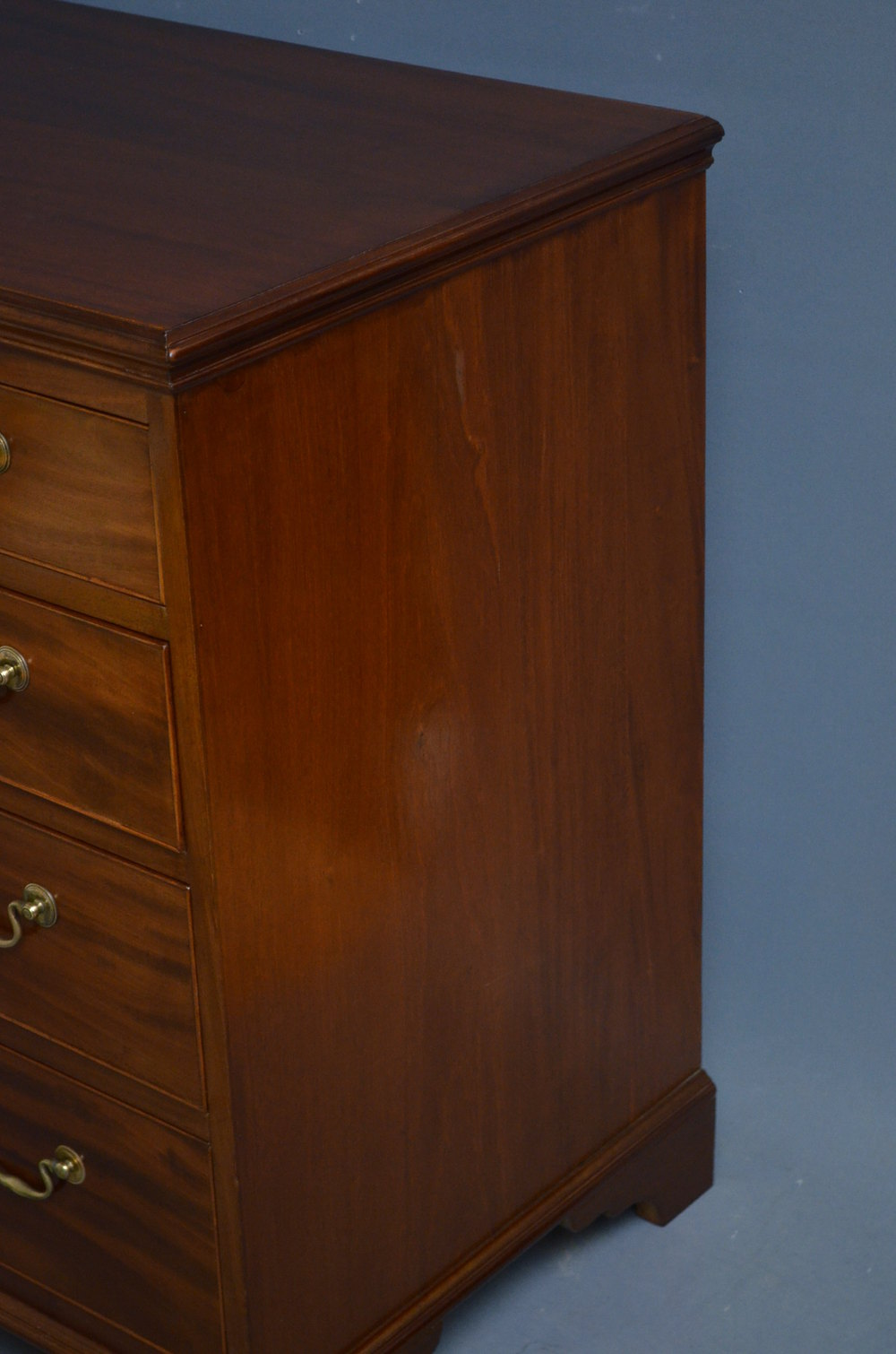 Small Georgian Chest Of Drawers In Mahogany Antiques Atlas