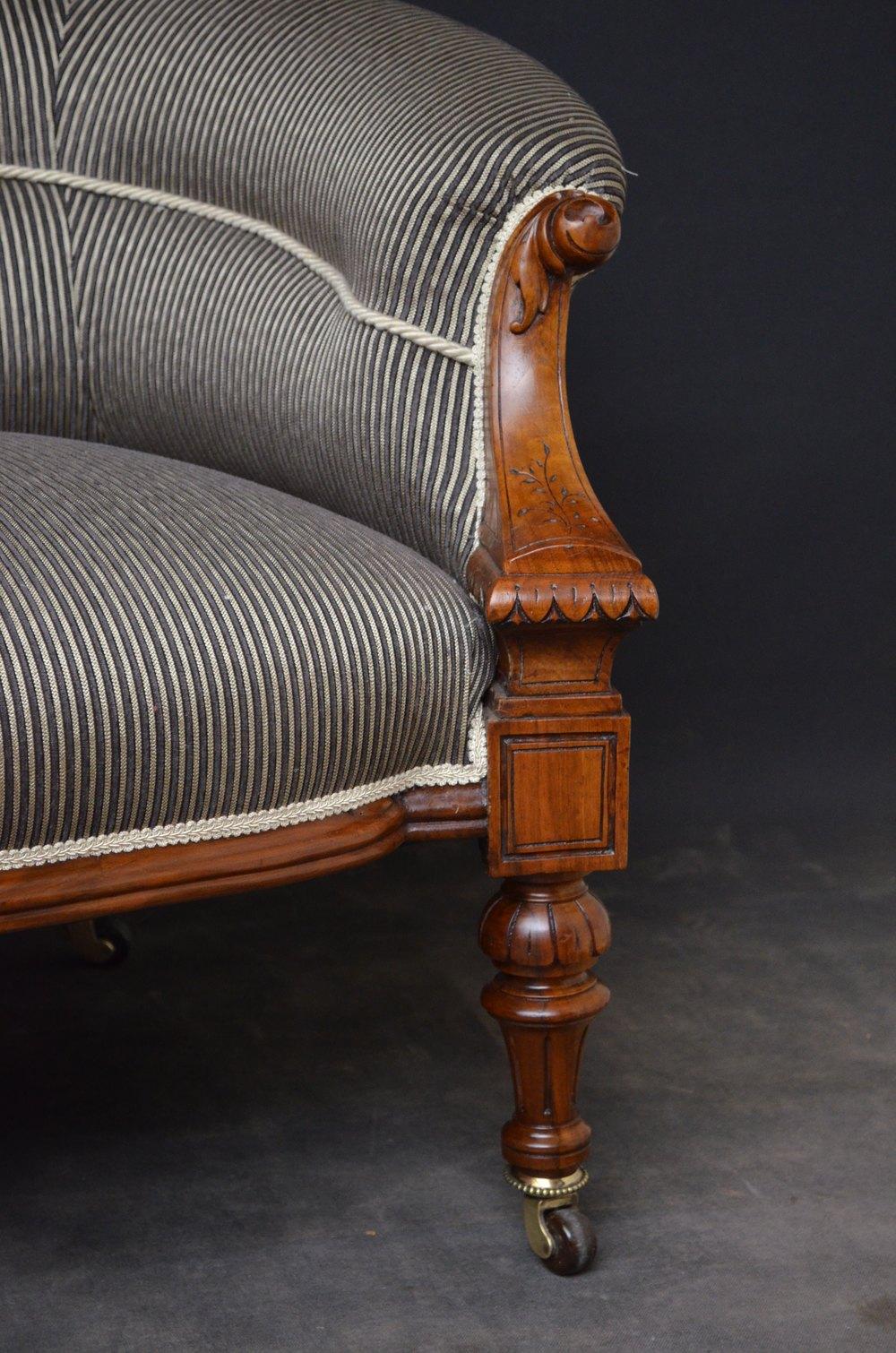 Stylish Victorian Walnut Sofa Settee Antiques Atlas
