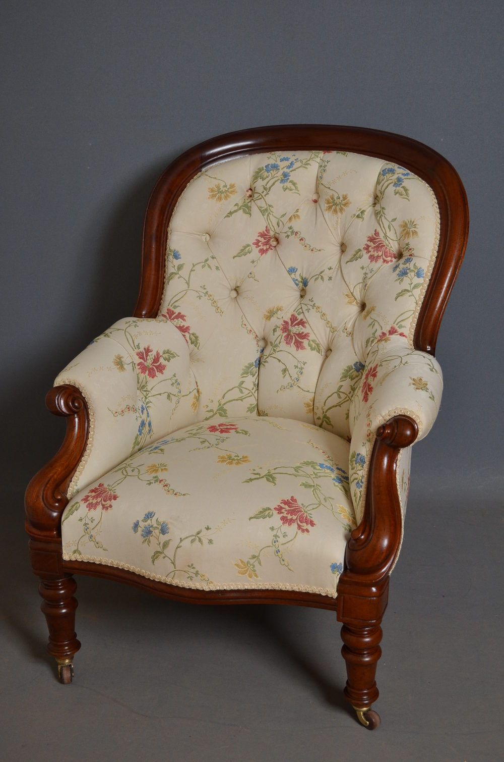 Victorian Armchair - Antiques Atlas