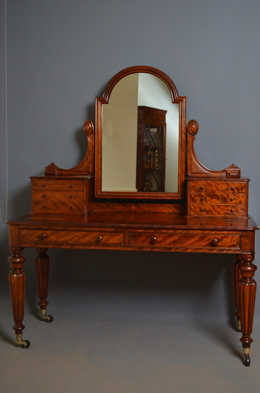 Victorian dressing table - Victorian Dressing Table