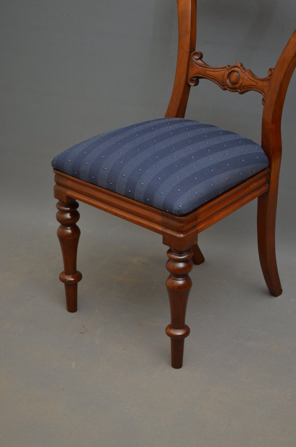 Chair Dressing Table ~ Victorian mahogany dressing table chair antiques atlas