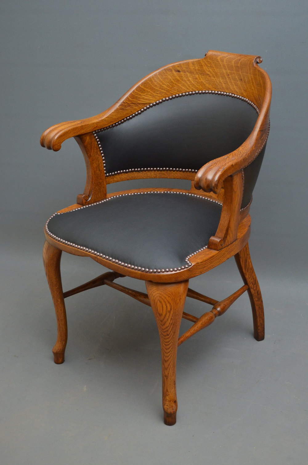 Victorian oak office chair desk chair antiques atlas for Antique office chair