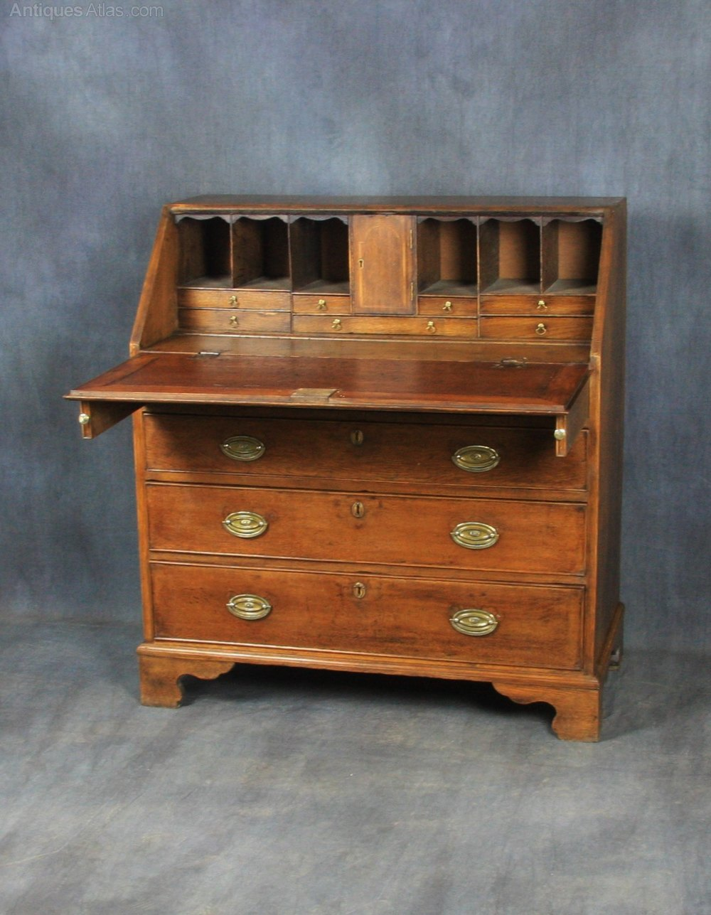 George ii oak bureau antiques atlas for Bureau antique