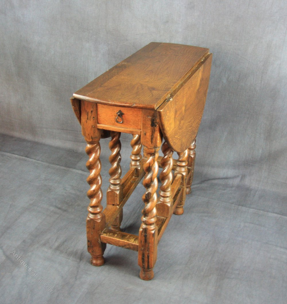 Late 17th century oak gateleg table antiques atlas - Gateleg table with drawers ...