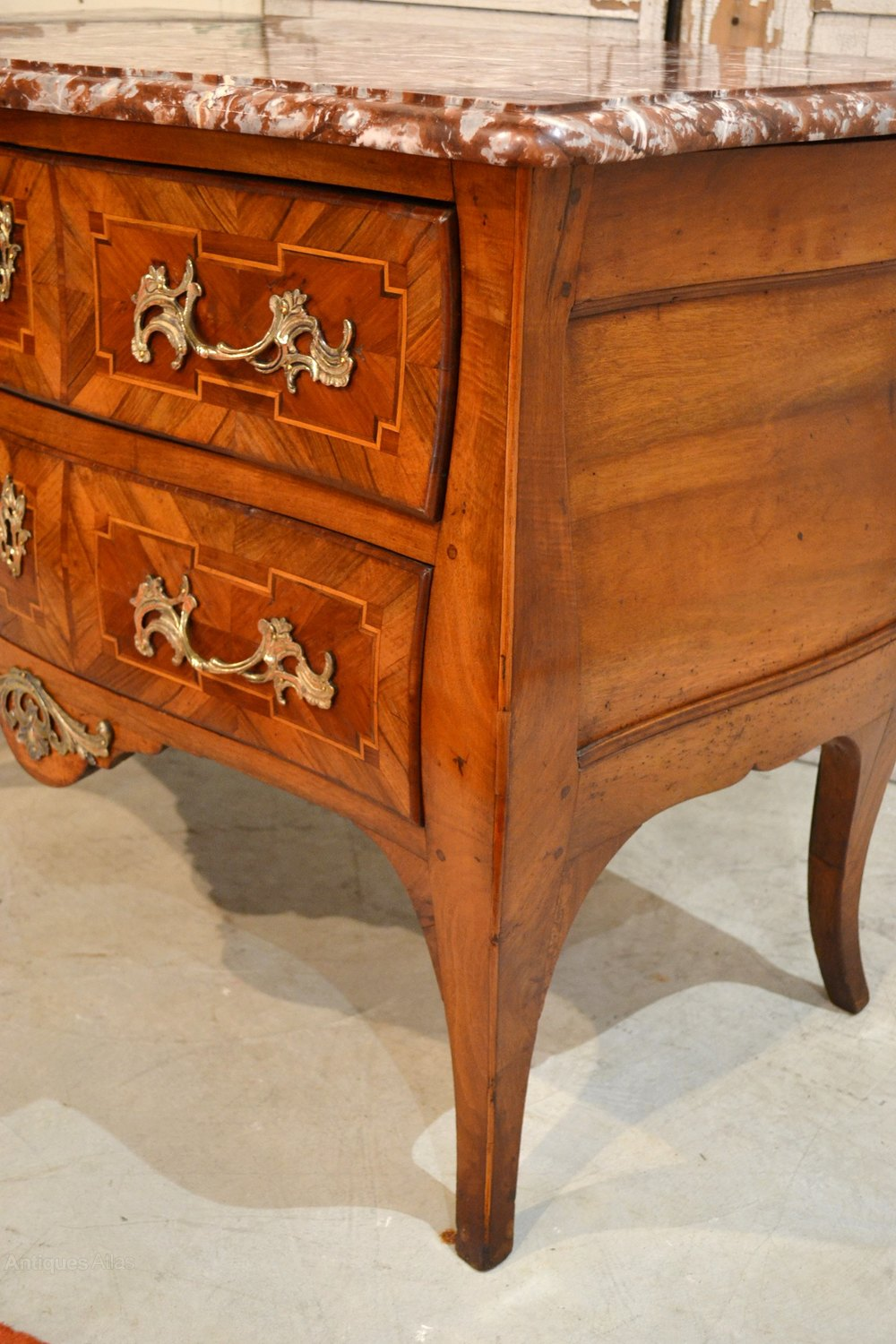 french commode louis xv 18th century antiques atlas. Black Bedroom Furniture Sets. Home Design Ideas
