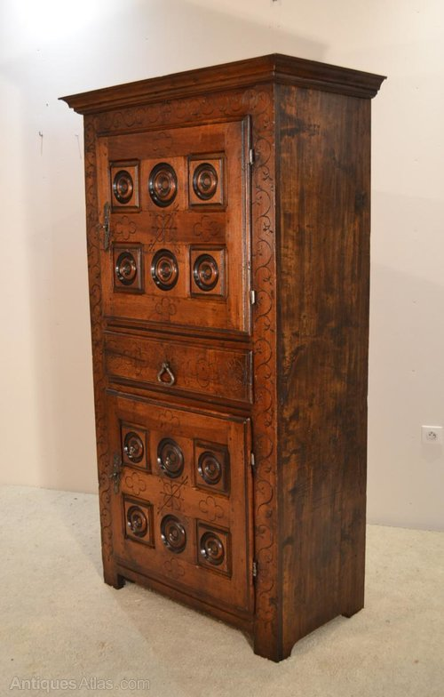 french walnut armoire homme debout antiques atlas. Black Bedroom Furniture Sets. Home Design Ideas